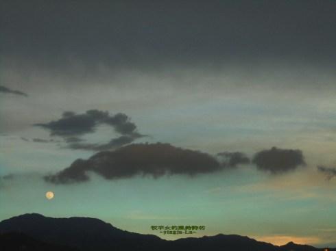 夏日雨後,入暮前的天空。 ~美麗的山水畫~